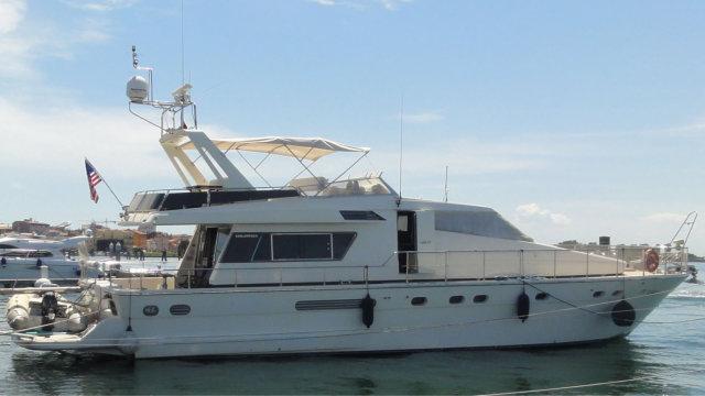 San Lorenzo Yacht